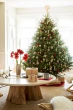 Beautiful scandinavian christmas tree decoration ideas 12