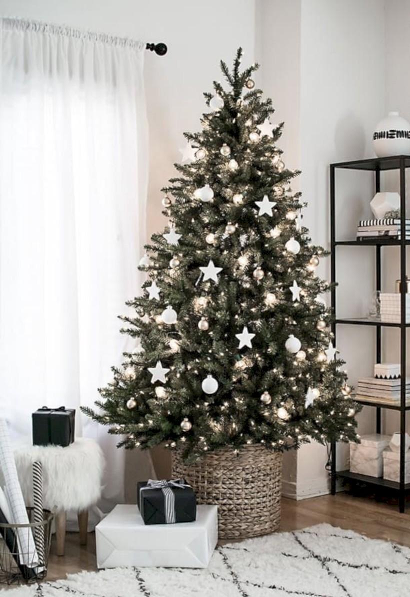beautiful scandinavian christmas tree decoration ideas 15 - round