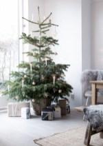 Beautiful scandinavian christmas tree decoration ideas 19