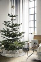 Beautiful scandinavian christmas tree decoration ideas 20