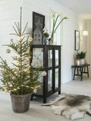 Beautiful scandinavian christmas tree decoration ideas 22