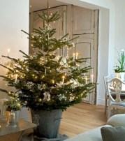 Beautiful scandinavian christmas tree decoration ideas 29