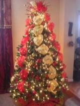 Brilliant ideas christmas tree decoration ideas with ribbon 02