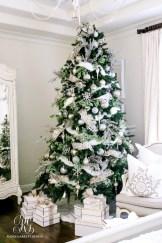 Brilliant ideas christmas tree decoration ideas with ribbon 04