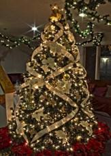 Brilliant ideas christmas tree decoration ideas with ribbon 23
