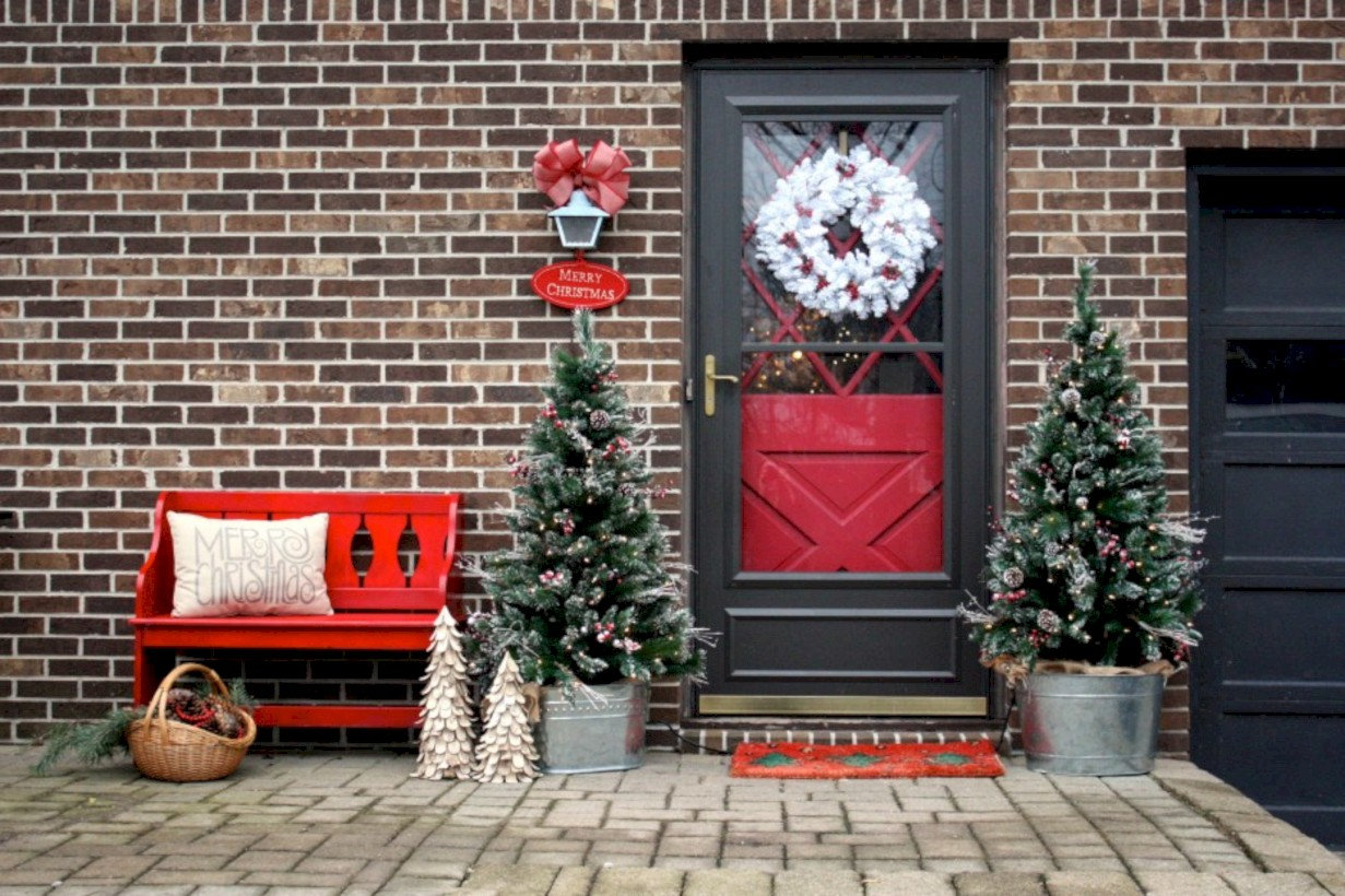 Cool Homemade Outdoor Christmas Decorations Ideas 08 Roundecor