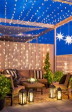 Cozy christmas decoration ideas for your apartment 11
