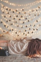 Cozy christmas decoration ideas for your apartment 26