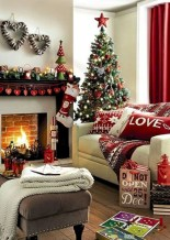 Cozy christmas decoration ideas for your apartment 34