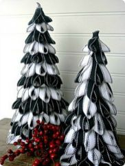 Creative diy christmas table centerpieces ideas 01