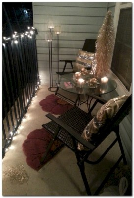 Easy outdoor christmas decorations ideas on a budget 17