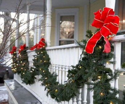 Easy outdoor christmas decorations ideas on a budget 23