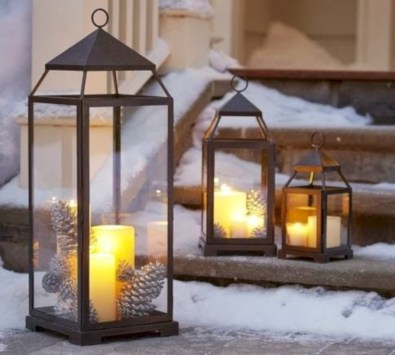 Easy outdoor christmas decorations ideas on a budget 38