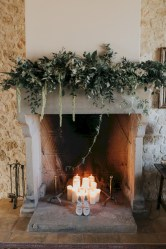 Elegant white fireplace christmas decoration ideas 16