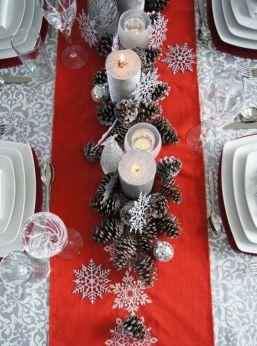 Inspiring farmhouse christmas table centerpieces ideas 05