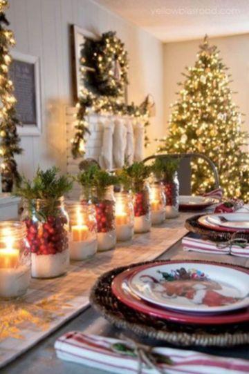 Inspiring farmhouse christmas table centerpieces ideas 26