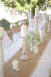 Inspiring farmhouse christmas table centerpieces ideas 30
