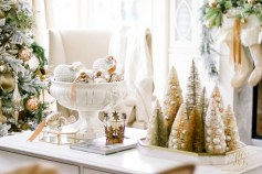 Minimalist christmas coffee table centerpiece ideas 06