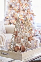 Minimalist christmas coffee table centerpiece ideas 45