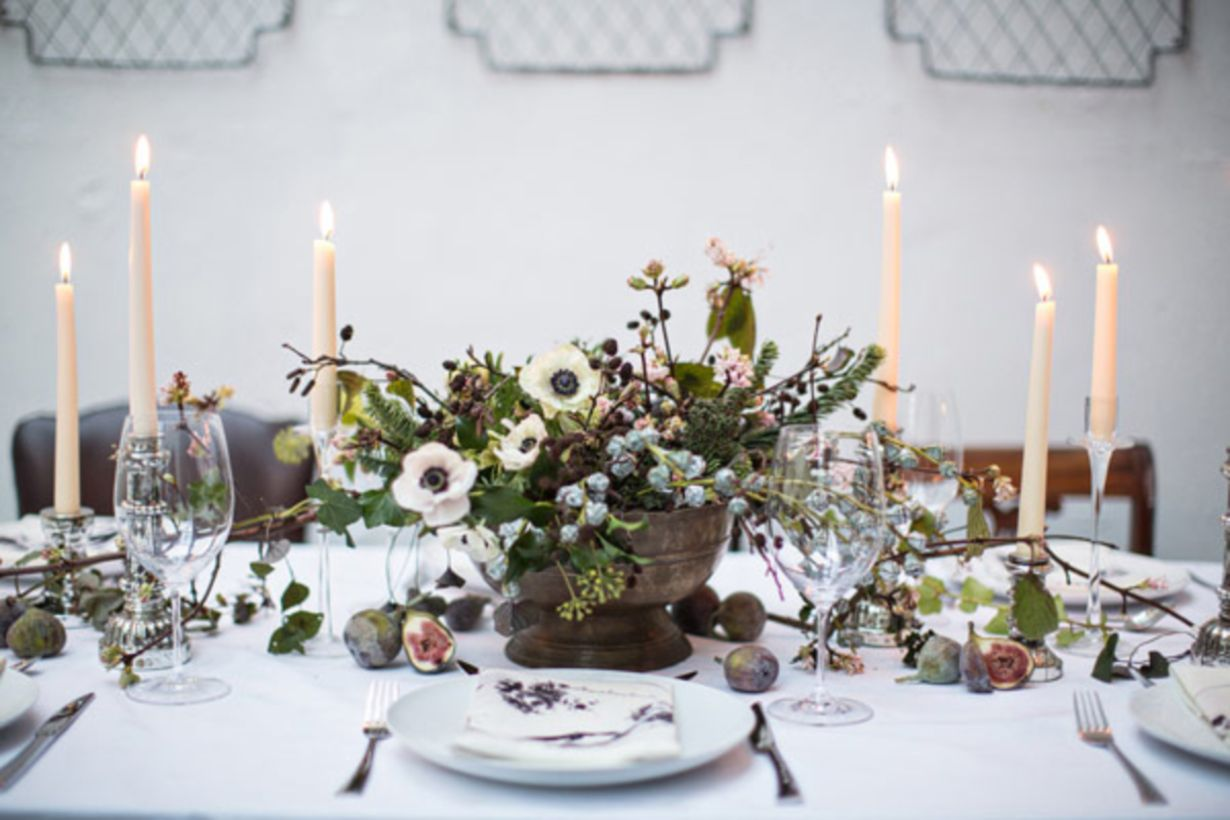 Modern Christmas Table Centerpieces Ideas You Will Totally Love 06