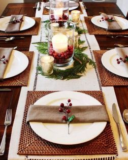 Modern christmas table centerpieces ideas you will totally love 29