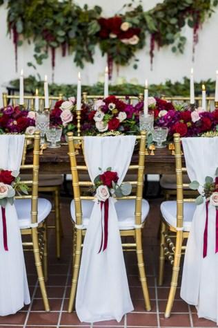 Romantic Winter Vintage Wedding Decoration Ideas 12