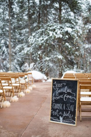 Romantic winter vintage wedding decoration ideas (13)