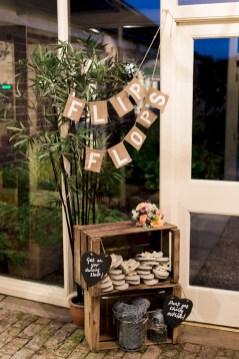 Romantic winter vintage wedding decoration ideas (32)