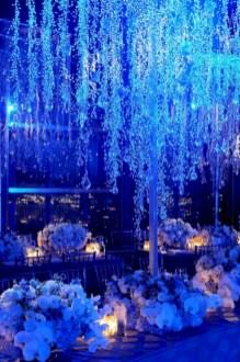 Spectacular winter wonderland wedding decoration ideas (16)