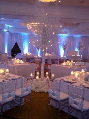 Spectacular winter wonderland wedding decoration ideas (34)