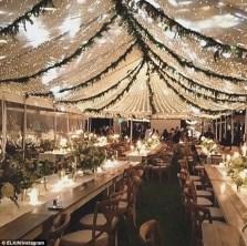 Spectacular winter wonderland wedding decoration ideas (5)