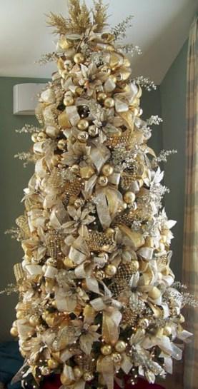 Stunning gold christmas tree decoration ideas 26