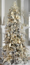 Stunning gold christmas tree decoration ideas 29