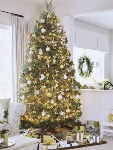 Stunning gold christmas tree decoration ideas 39