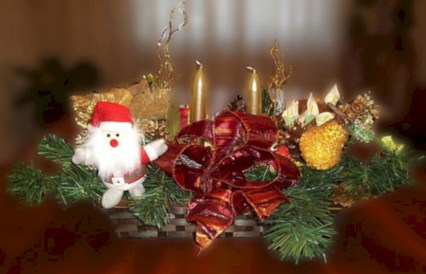 Stylish christmas centerpieces ideas with ornaments 14