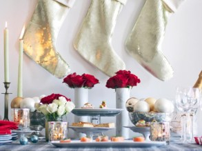 Stylish christmas centerpieces ideas with ornaments 42