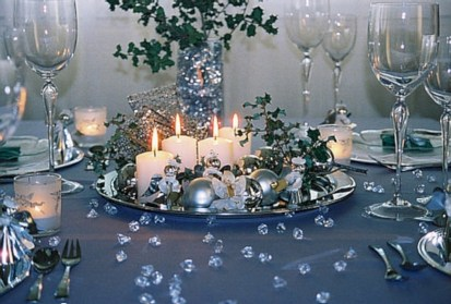stylish silver and white christmas table centerpieces ideas 15