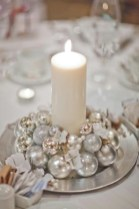 Stylish silver and white christmas table centerpieces ideas 34