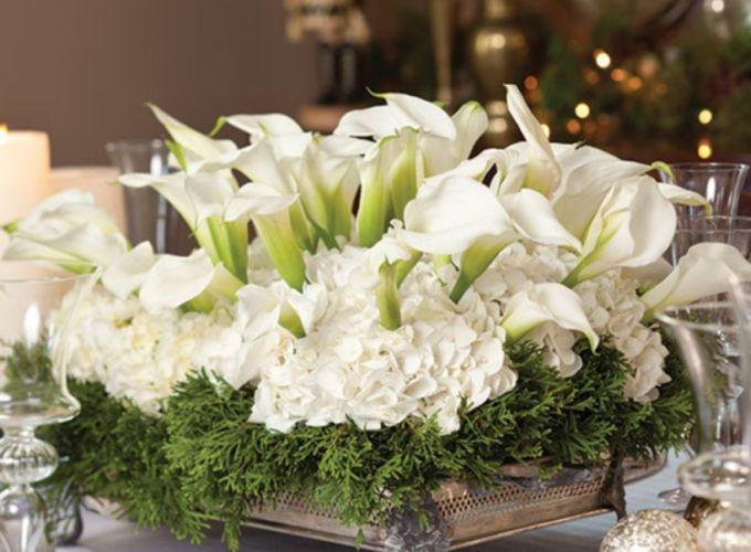 Totally adorable white christmas floral centerpieces ideas 11
