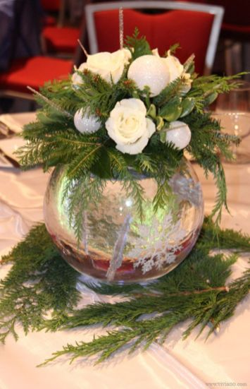 Totally adorable white christmas floral centerpieces ideas 26