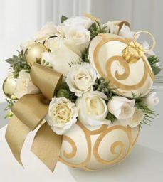 Totally adorable white christmas floral centerpieces ideas 33