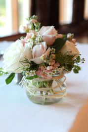 Totally adorable white christmas floral centerpieces ideas 38