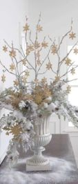 Totally adorable white christmas floral centerpieces ideas 41