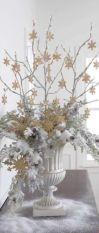 Totally adorable white christmas floral centerpieces ideas 41