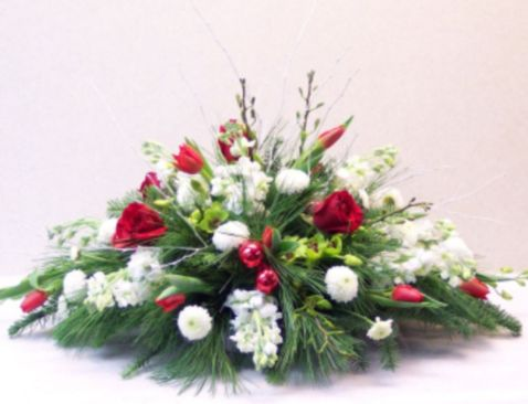 Totally adorable white christmas floral centerpieces ideas 45