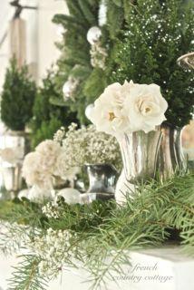 Totally adorable white christmas floral centerpieces ideas 46