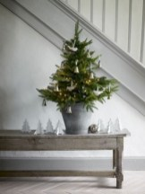 Totally inspiring small christmas tree decoration ideas for space saving 04