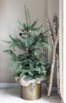 Totally inspiring small christmas tree decoration ideas for space saving 33