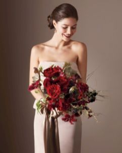 Wonderful winter wedding bouquets ideas you will love (25)