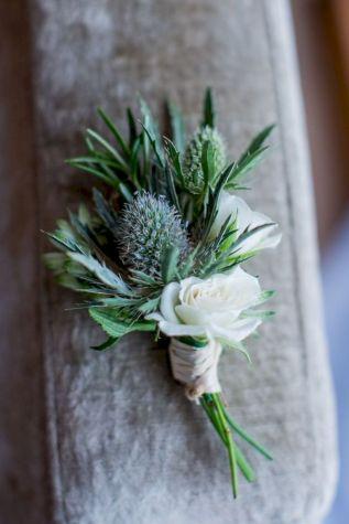 Wonderful winter wedding bouquets ideas you will love (37)